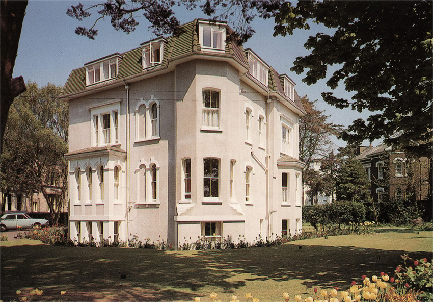 Cavendish-c1975-postcard